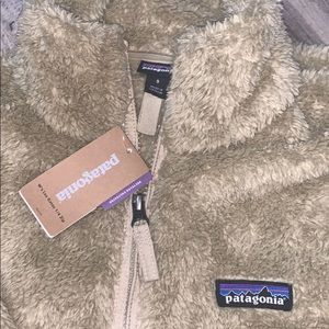Never worn Patagonia Quarter Zip